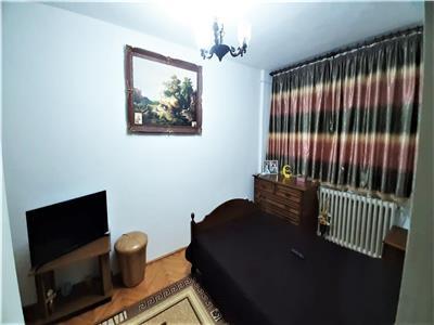 Apartament 3 camere decomandat, finisat, Cetate , Liceul sportiv