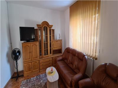 Casa de inchiriat 3 camere, in Alba Iulia, zona Cetate