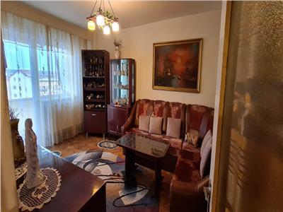 Apartament de vanzare 4 camere, in Alba Iulia, Tolstoi