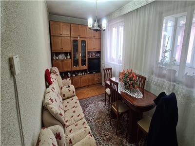 Apartament 3 cam. de vanzare+spatiu 2 cam. (25 mp) in Alba Iulia, Cetate