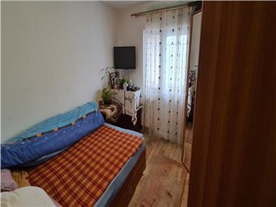 Apartament 3 camere de vanzare in Alba Iulia, zona sub stadion