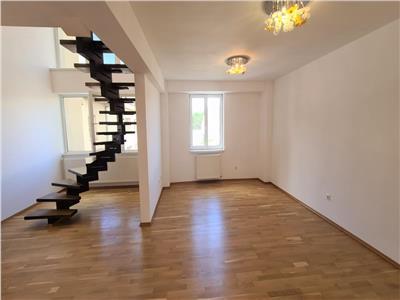 Apartament 5 camere de vanzare, Alba Iulia,Ultracentral(prez. video)
