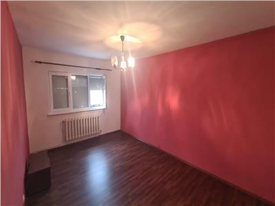 Apartament 3 camere de vanzare in Alba Iulia, zona Industriala