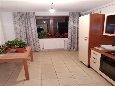 Apartament 3 camere Cetate Piata Bloc
