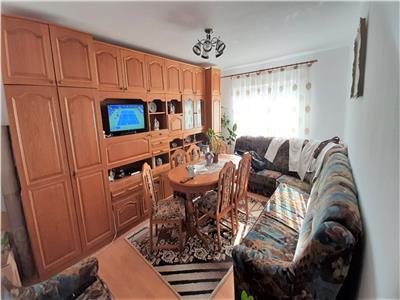 Apartament 3 camere decomandat 2 bai etaj 3