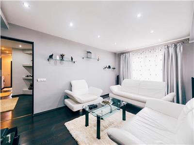 Apartament 3 camere decomandat Alba-Iulia  Centru , ultrafinisat,pretabil regim hotelier