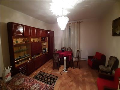 Casa de vanzare 4 camere, Alba Iulia, zona Centrala