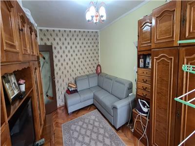 Apartament 4 camere de vanzare in Alba Iulia, zona Industriala