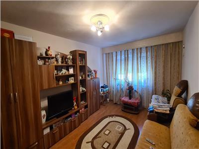Apartament 3 camere de vanzare, Alba Iuliua, Cetate