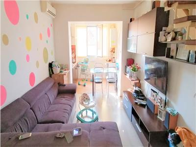 Apartament 4 camere, scara interioara, Cetate